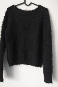 Czarny sweter Terranova r M meszkowaty...