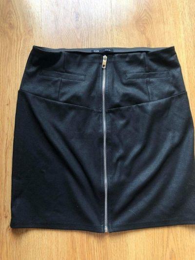 Spódnice Czarna spódnica z zamkiem