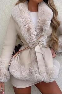 Płaszcz beżowy z futerkiem...