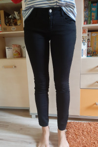 Czarne spodnie Zara r36
