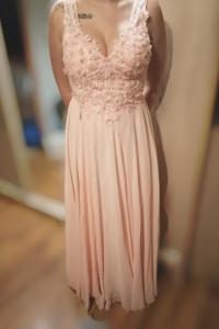 Różowa suknia balowa długa...