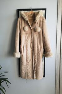 Długi kożuch płaszcz z kapturem zimowy S M futerko pompony nude...