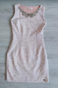 Różowa pudrowa sukienka 36 S 38 M kwiaty kołnierzyk złote dżety...