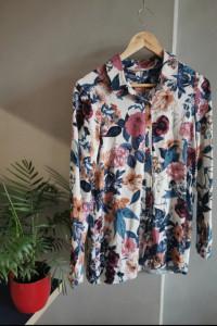 Kwiecista koszula