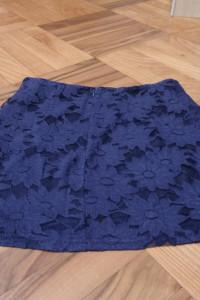 Fioletowa koronkowa spódnica New Look