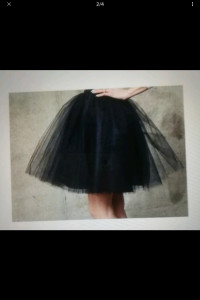 Czarna spódnica tiulowa...