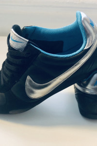 Nike sprint sister...