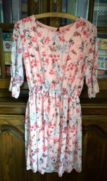 Suknie i sukienki Delikatna nowa sukieneczka w kwiaty 36 38