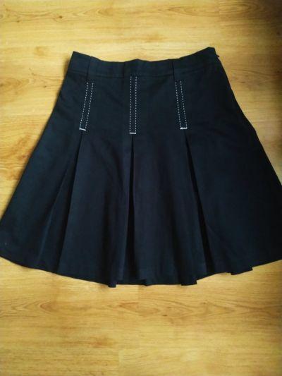 Spódnice Czarna spódnica układana F&F 12 40 L