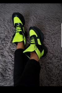 Sneakersy sportowe neonowe