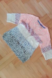Kolorowy sweterek dziecięcy XS swetr...