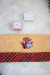 Ręcznik z haftem bawełna musztardowy...
