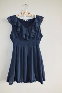Granatowa sukienka z falbanką New Look r 44...