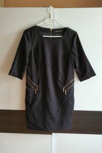 Czarna sukienka Reserved S z zameczkami...