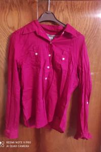 Czerwona koszula mgiełka