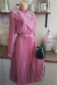 Sukienka różowa plisowana midi