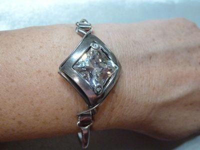 Bransoletki bransoletka z dużą cyrkonią srebro