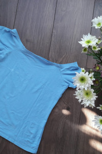 Bluzka niebieska...