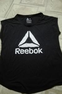 T shirt Reebook...