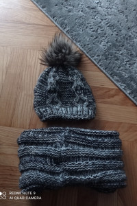 Komplet czapka i komin...