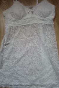Biała koronkowa koszula nocna