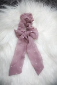 Piękna gumka do włosów ze wstążką i kokardką pudrowy róż