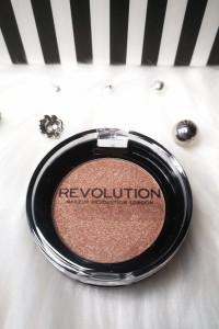 Revolution Rozświetlacz do twarzy złoty