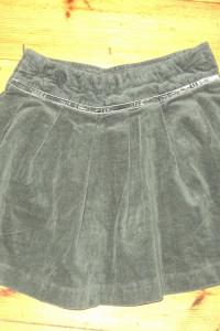 Rozkloszowana spódniczka rozmiar 128