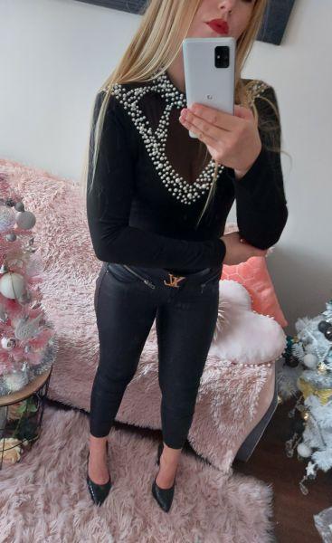 Bluzki Piękna czarna bluzeczka białe perełki