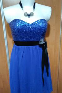 Piękna sukienka z cekinkami...