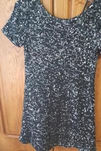 Sukienki...