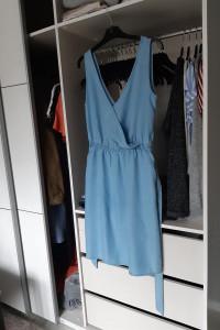 H&M Sukienka z lyocellu wiązana w pasie...