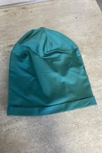 nowa zielona czapka dresowa