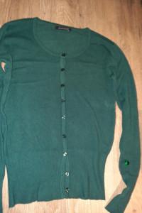 sweter zielony w serek rozpinany...