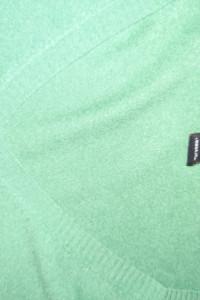 zielony swterek w serek...