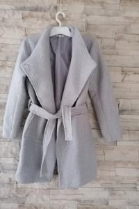 Płaszcz szlafrokowy wiązany...