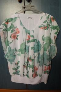 zwiewna bluzka w kwiaty