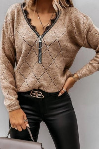 Brązowy sweterek z zamkiem...