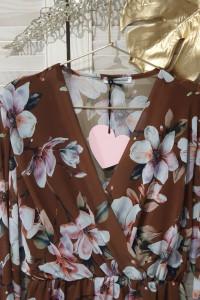 Włoska sukienka w duże kwiaty...