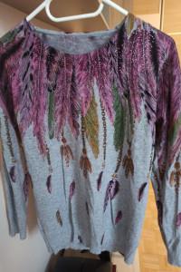 Wyjątkowy sweterek rozmiar M