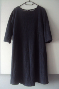 dzianinowa strukturalna sukienka...