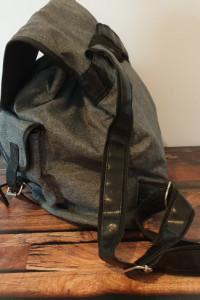 Szary retro plecak