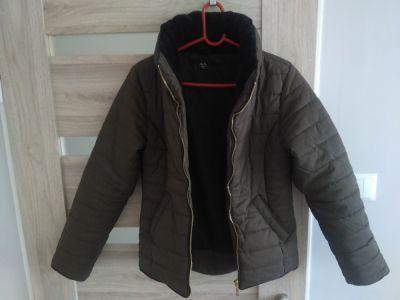 Odzież wierzchnia kurtka z futerkiem 36