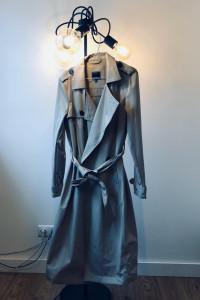 Długi płaszcz...