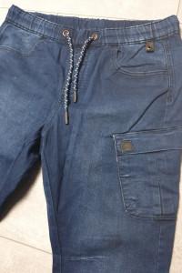 Cropp spodnie męskie jogger W32 L32