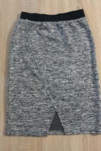Siwa ołówkowa spódniczka