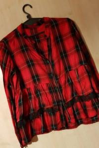 Krata czerwono czarna baskinka falbanka