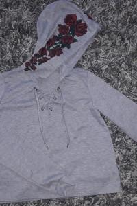 Szara bluza...