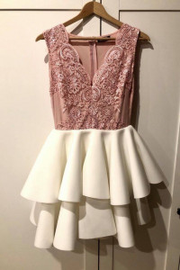 Rozkloszowana sukienka z piankowym dołem...