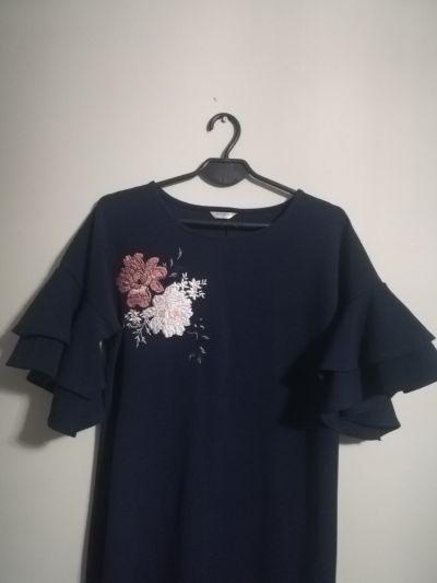 Suknie i sukienki Sukienka granatowa z kwiatkem